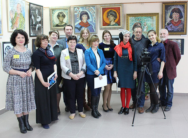 GROUP PHOTO AT THE OPENING OF THE EXHIBITION «GONE WITH THE MUSE» IN THE CITY OF MEDYN