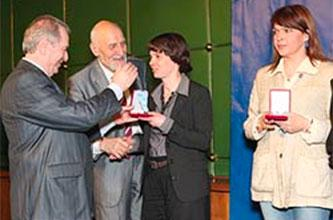 Awarding Margarita Siourina at International Festival of Good Works, Moscow